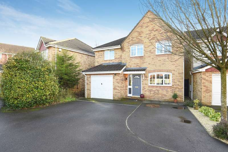 4 Bedrooms Detached House for sale in Wentworth Crescent, Beggarwood, Basingstoke, RG22