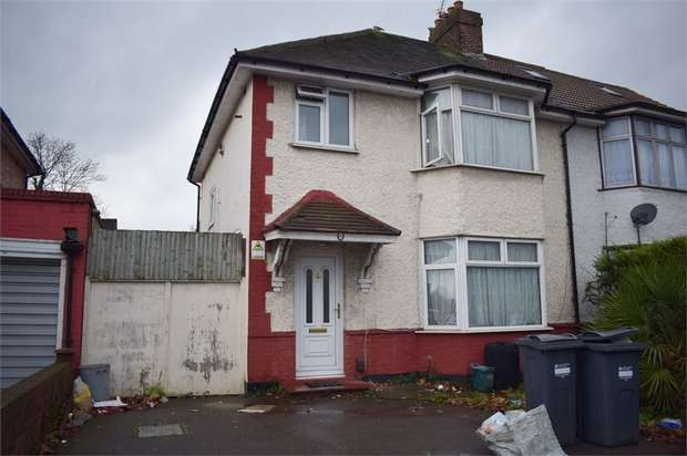 5 Bedrooms Semi Detached House for sale in Harlington Road East, Feltham, Greater London