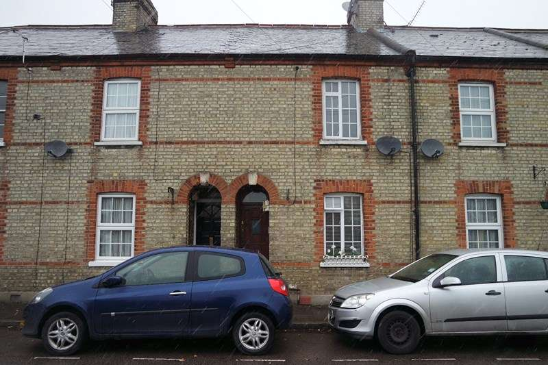 2 Bedrooms Terraced House for sale in Chipping Close, High Barnet