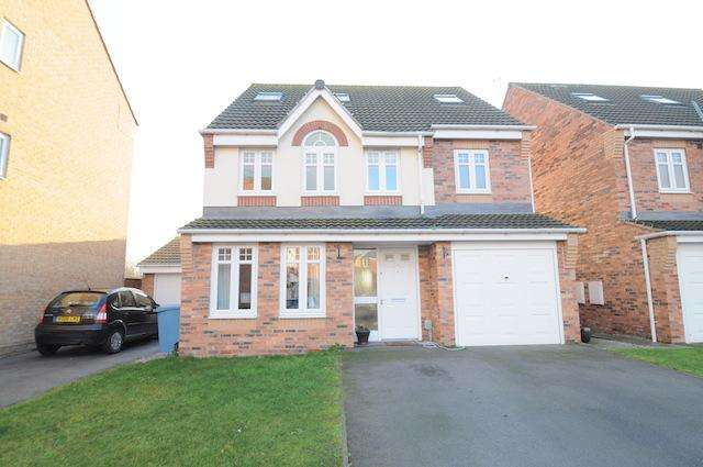 5 Bedrooms Detached House for sale in Linn Park, Kingswood, Hull, HU7 3GD