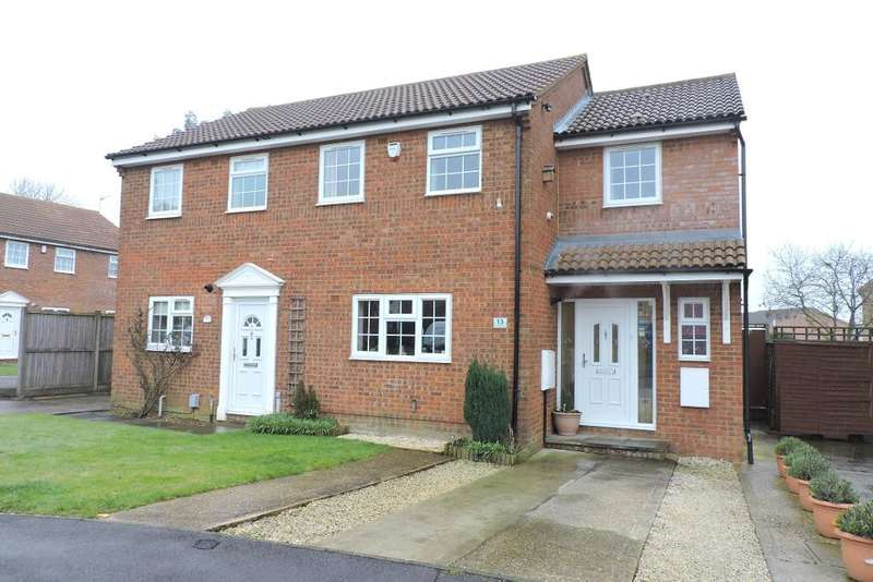 3 Bedrooms Semi Detached House for sale in Barnston Close, Luton, Bedfordshire, LU2 9RZ