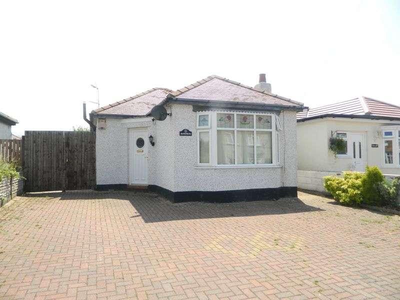 2 Bedrooms Detached Bungalow for sale in Larkmount Road, Rhyl