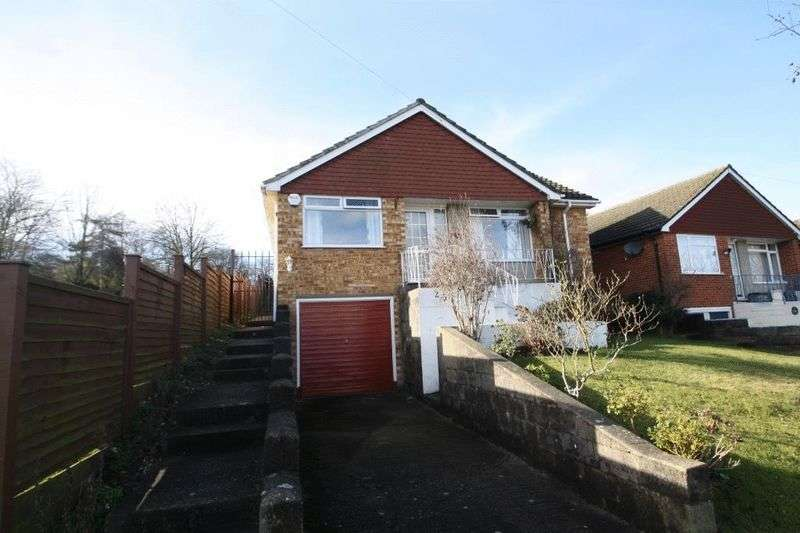 4 Bedrooms Detached Bungalow for sale in Deeds Grove, High Wycombe