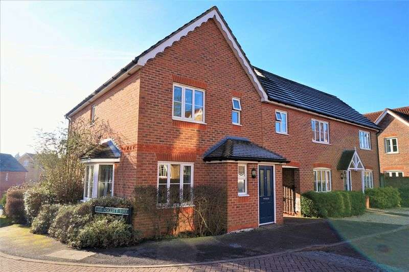 3 Bedrooms Detached House for sale in Claremont Crescent, Newbury