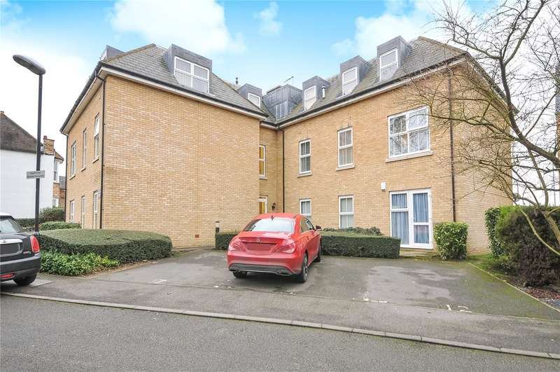 2 Bedrooms Apartment Flat for sale in Hogarth Close, Uxbridge, Middlesex, UB8