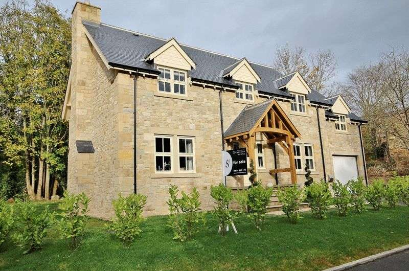4 Bedrooms Detached House for sale in Back Burn Cottage, Low Close, Felton, Morpeth