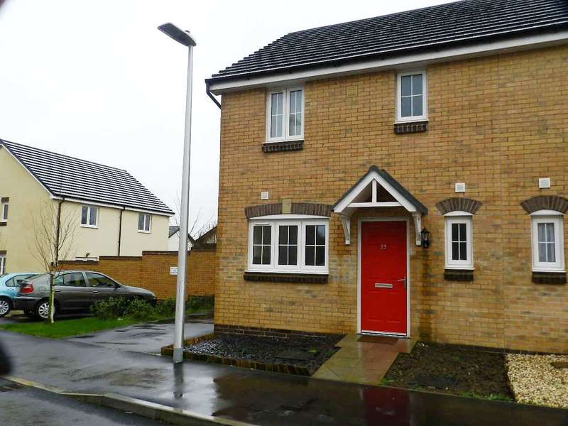 3 Bedrooms Semi Detached House for sale in Castleton Grove, Haverfordwest, Pembrokeshire