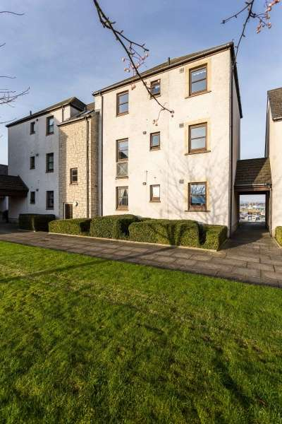 2 Bedrooms Ground Flat for sale in Harbour Road, Tayport, DD6 9EU