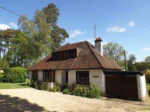 4 Bedrooms Bungalow for sale in Rock Road, Storrington, Pulborough, West Sussex