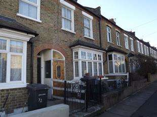 3 Bedrooms Terraced House for sale in Rubens Street, Catford, London