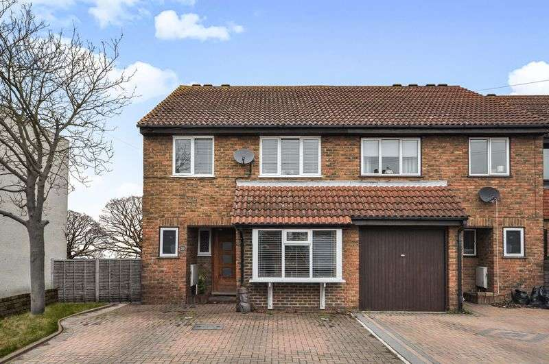 4 Bedrooms Terraced House for sale in South Road, Hampton