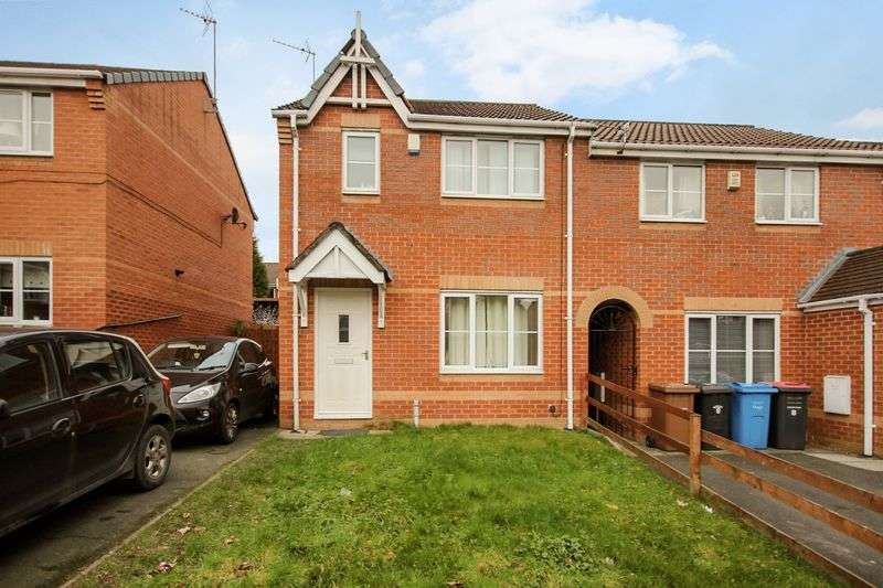 3 Bedrooms Semi Detached House for sale in Leavale Close, Little Hulton