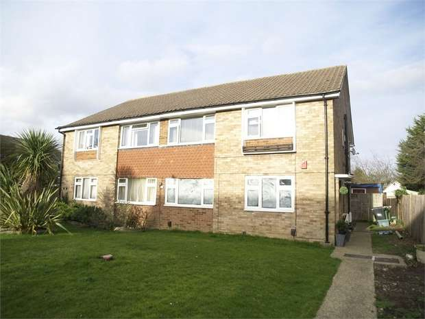 2 Bedrooms Maisonette Flat for sale in Cyclamen Way, West Ewell