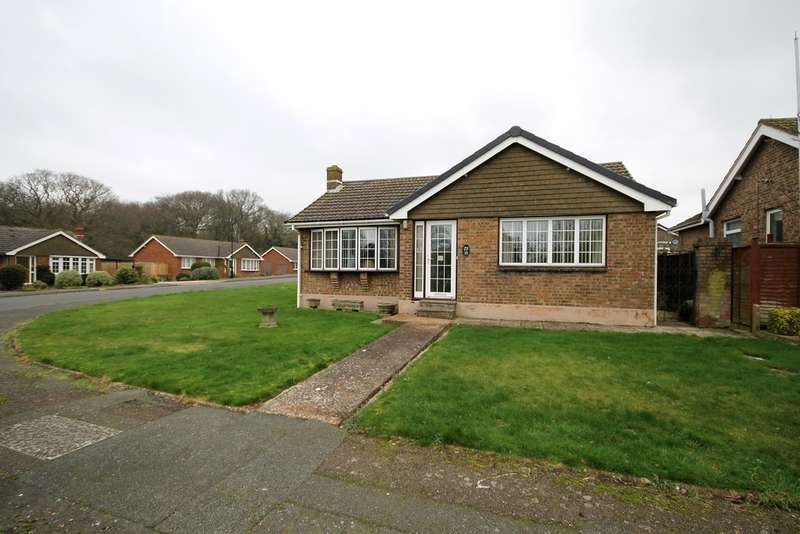 2 Bedrooms Detached Bungalow for sale in Bound Road, Freshwater