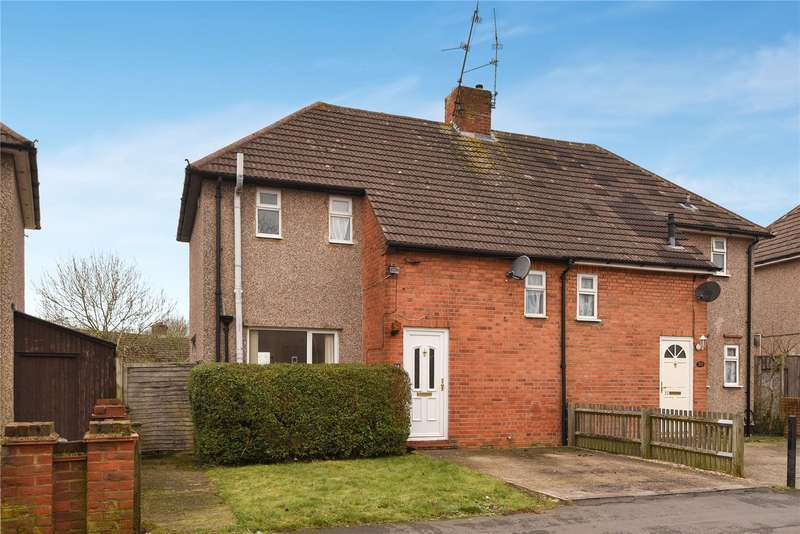 2 Bedrooms Semi Detached House for sale in Hazel Crescent, Reading, Berkshire, RG2