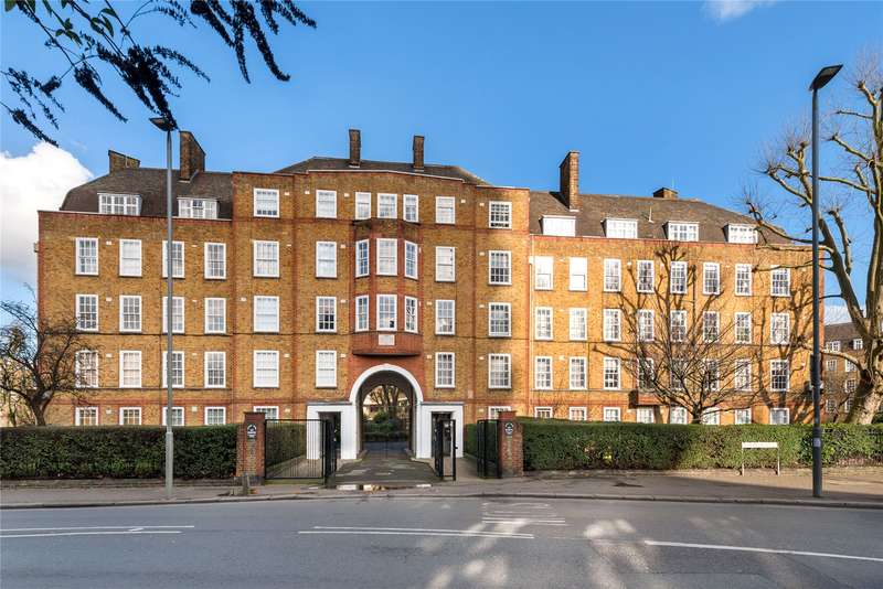 2 Bedrooms Flat for sale in Archer House, Vicarage Crescent, London, SW11