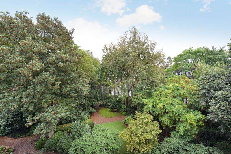 3 Bedrooms Flat for sale in Gledhow Gardens, London, SW5