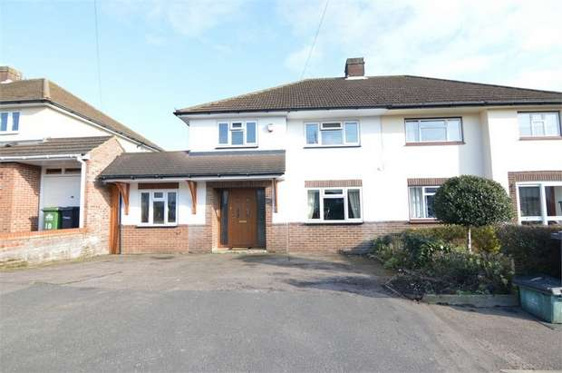 4 Bedrooms Semi Detached House for sale in Mountview Road, Cheshunt, Cheshunt, Hertfordshire