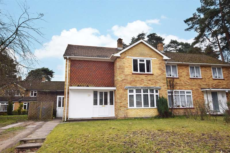 4 Bedrooms Semi Detached House for sale in Nightingale Crescent, Harmans Water, Bracknell, Berkshire, RG12