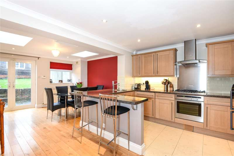 3 Bedrooms Terraced House for sale in St. Saviours Road, Reading, Berkshire, RG1