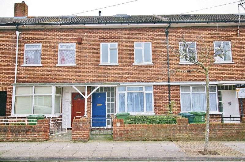5 Bedrooms Terraced House for sale in Bath Road, Southsea
