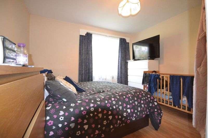 2 Bedrooms Flat for sale in Oakfield Road, Walthamstow, London