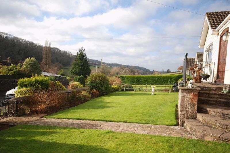 4 Bedrooms Detached Bungalow for sale in Croscombe - Between Wells and Shepton Mallet