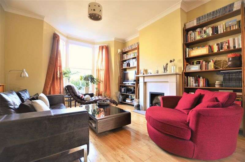 3 Bedrooms Terraced House for sale in Wyatt Road, Highbury N5