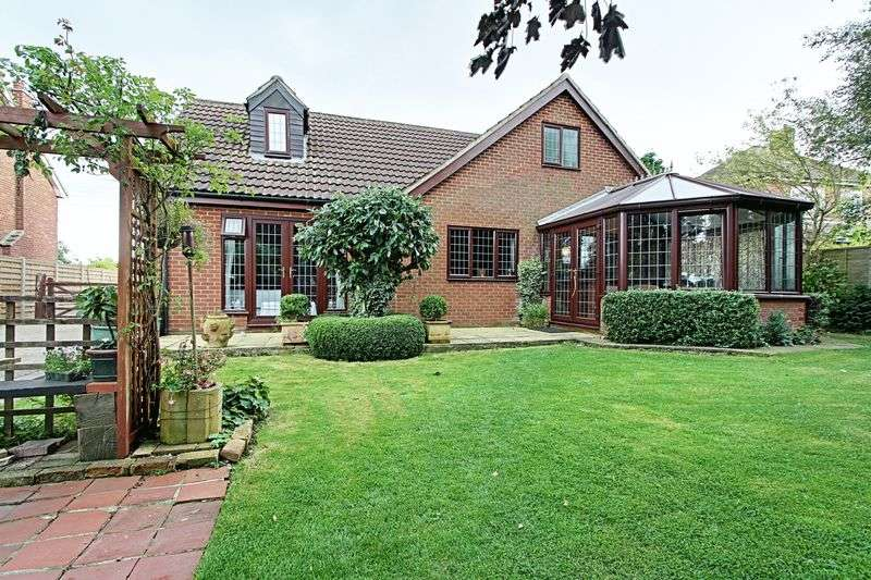 5 Bedrooms Detached Bungalow for sale in Station Road, Ulceby