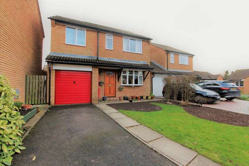 4 Bedrooms Detached House for sale in Swallow Park, Thornbury