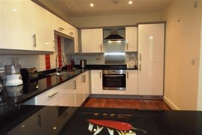 2 Bedrooms Flat for rent in Queens Manor, Clifton Drive South