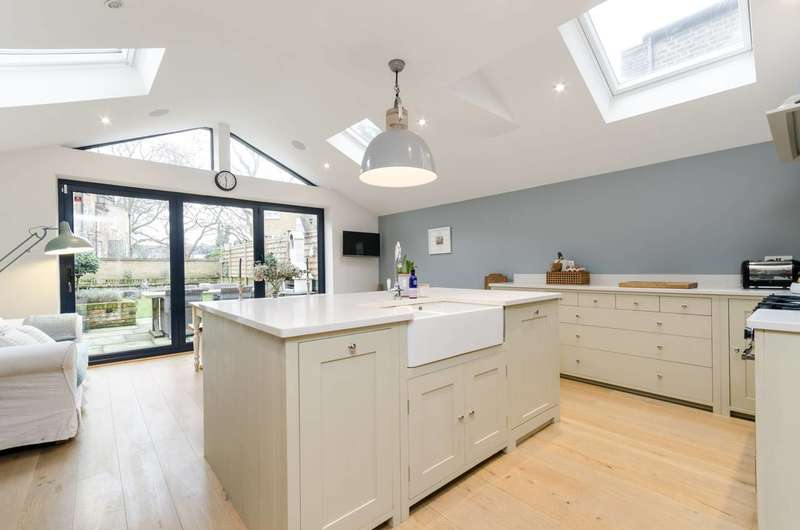 4 Bedrooms House for sale in Harwood Road, Fulham Broadway, SW6