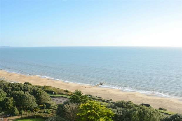 2 Bedrooms Flat for sale in Manor Road, East Cliff, Bournemouth