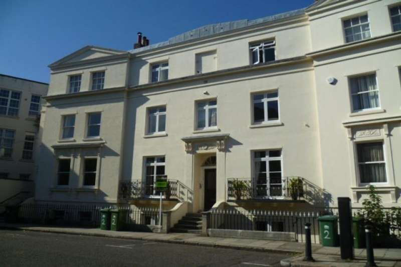 House Share for rent in Basement Floor Flat Rockstone Place, Southampton, SO15