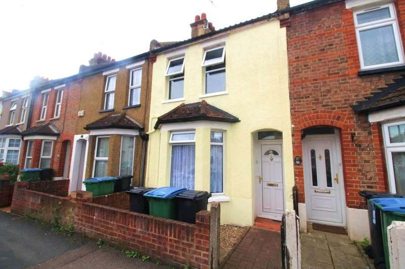 2 Bedrooms Flat for sale in Kings Avenue, Watford, WD18