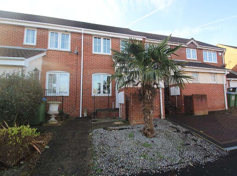 2 Bedrooms Terraced House for sale in St. Thomas Close, Fareham