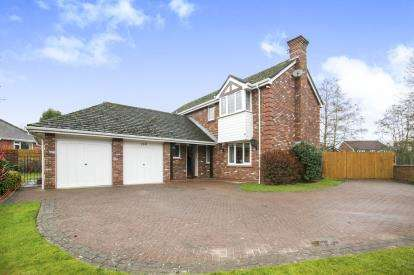 4 Bedrooms Detached House for sale in Torkington Rd, Hazel Grove, Stockport, Cheshire