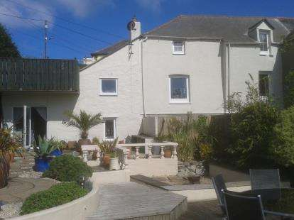 3 Bedrooms Semi Detached House for sale in Mevagissey, St. Austell, Cornwall