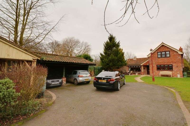 3 Bedrooms Detached House for sale in Larch Lodge, Howe Lane, Goxhill