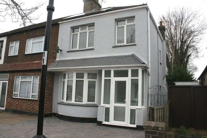 3 Bedrooms House for sale in Lonsdale Road, Southend-on-Sea
