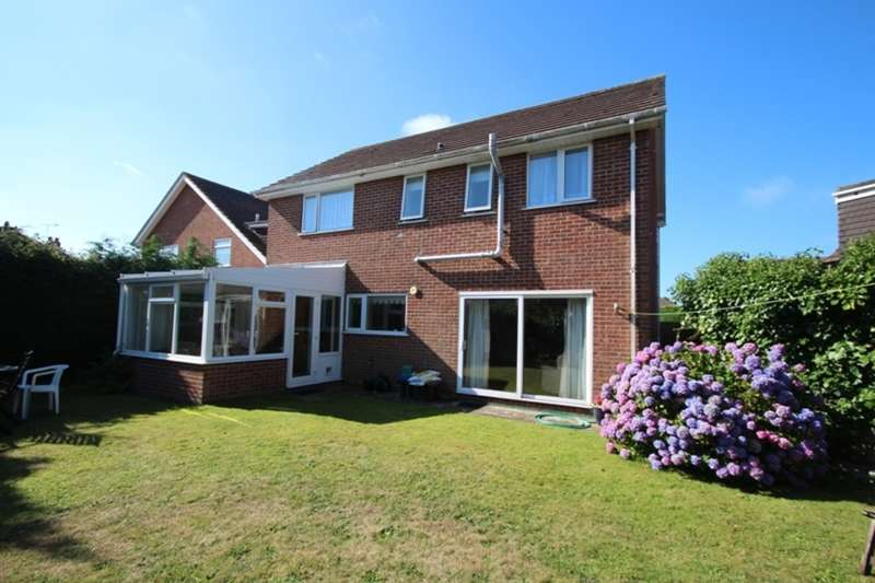 4 Bedrooms Detached House for sale in SOUTHBOURNE