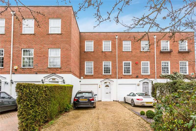 4 Bedrooms Terraced House for sale in Private Road, Enfield, EN1