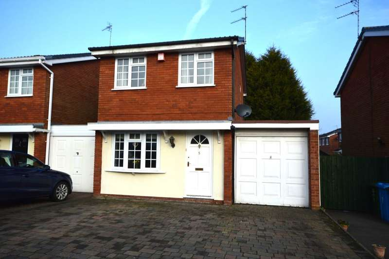 2 Bedrooms Detached House for sale in Foster Green, Perton, Wolverhampton, WV6