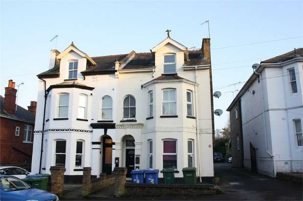 1 Bedroom Flat for sale in St Michaels Road, Aldershot, Hampshire