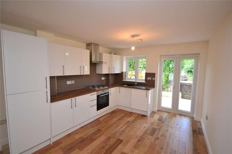 3 Bedrooms Terraced House for sale in Halton Close, Friern Barnet, London, N11