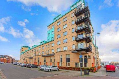 1 Bedroom Flat for sale in Old Rutherglen Road, Glasgow