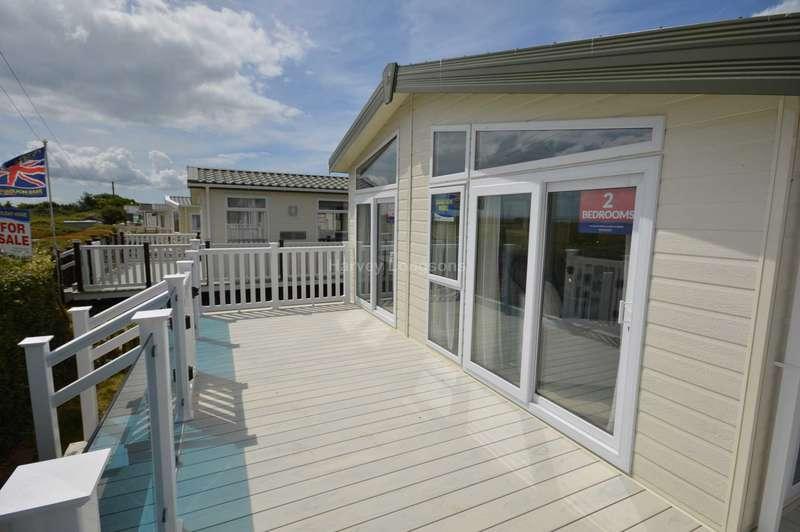 2 Bedrooms Lodge Character Property for sale in Solent Breezes Holiday Park, Hook Lane, Warsash, Nr Fareham