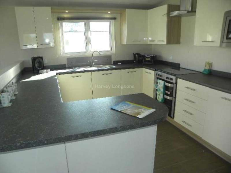 2 Bedrooms Lodge Character Property for sale in Withernsea, Humberside