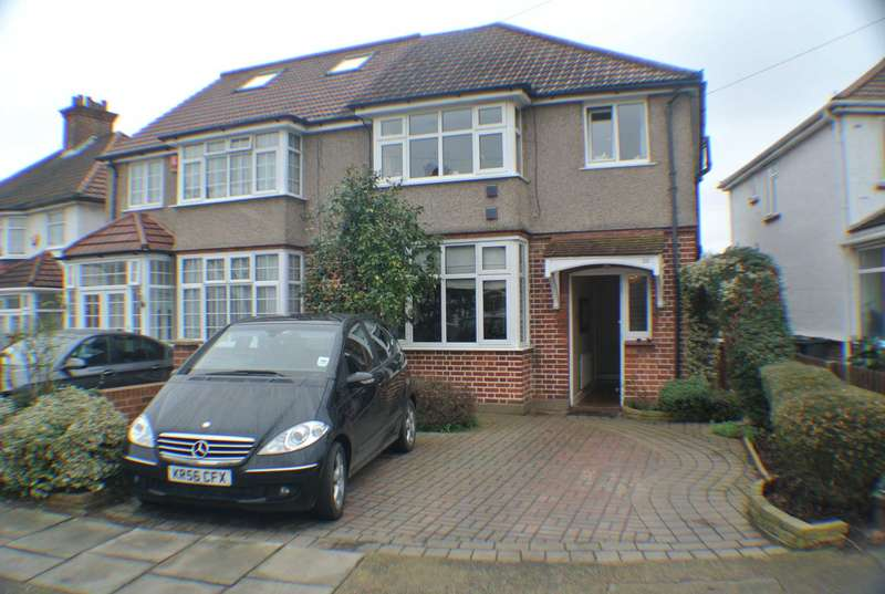 3 Bedrooms Semi Detached House for sale in Devon Way, Heston, TW5