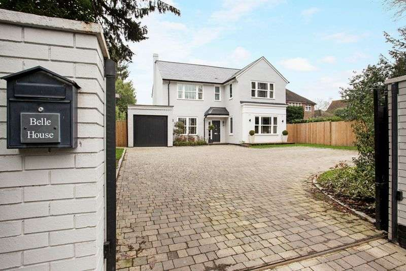 5 Bedrooms Detached House for sale in Middle Hill, Englefield Green